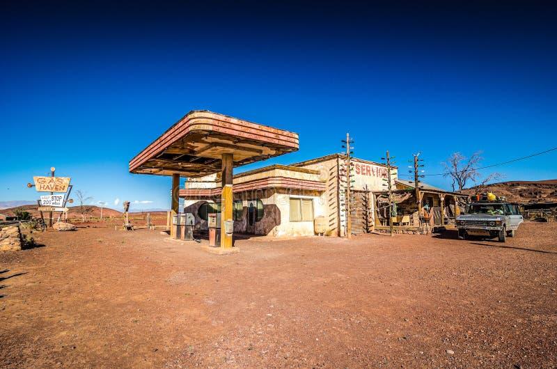 Ouarzazate, Марокко - 7-ое октября 2013 Декорации и реквизит фильма холмов фильма имеют глаза - гавань газа стоковое изображение rf