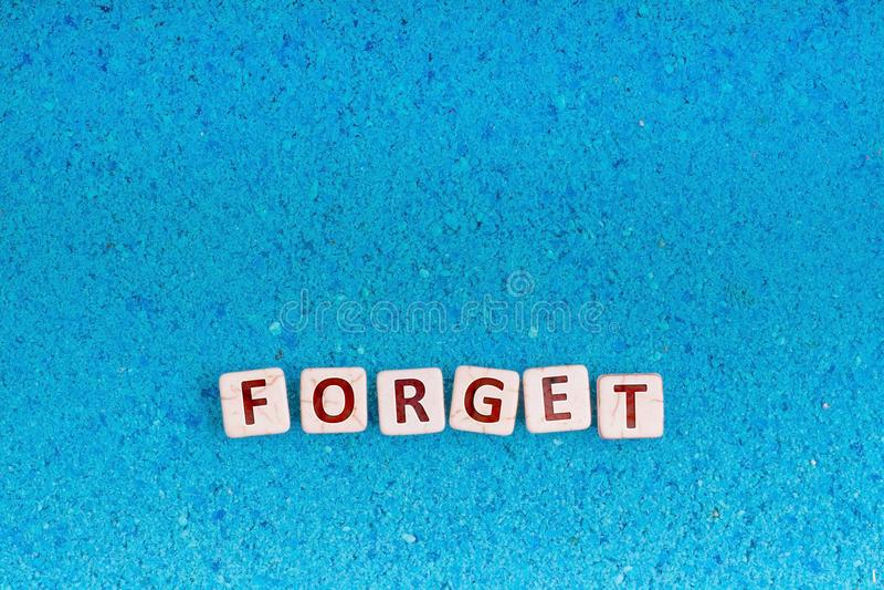 Oubliez le mot sur la pierre photos libres de droits