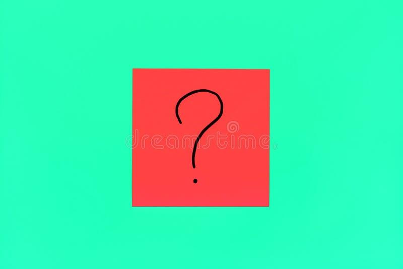 Oubliez, le rappel, combinaison de fin de concept de couleur vers le haut de symbole manuscrit noir de point d'interrogation sur  photographie stock libre de droits