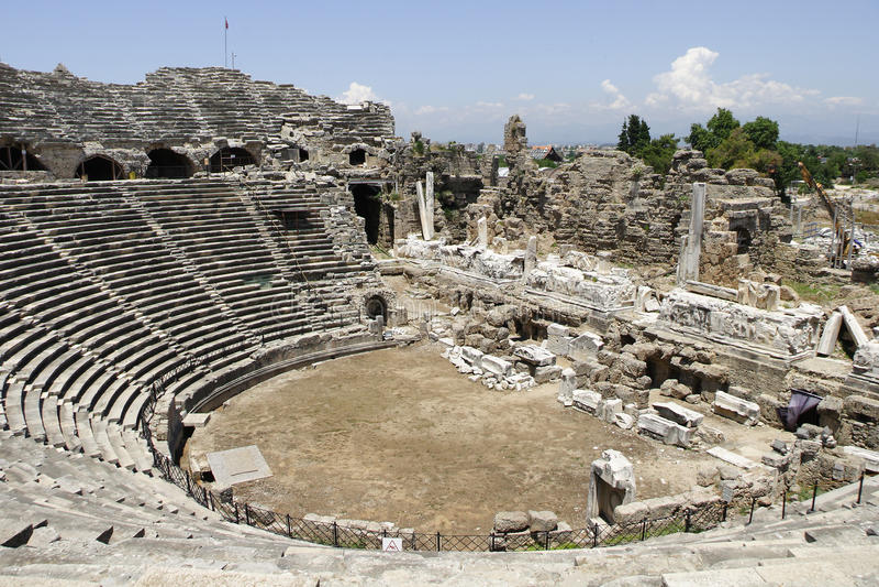 Oud Amfitheater in Kant royalty-vrije stock afbeeldingen