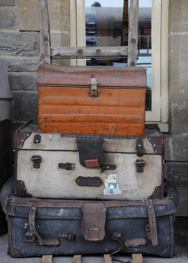 Oud Bagagekarretje Stock Foto's
