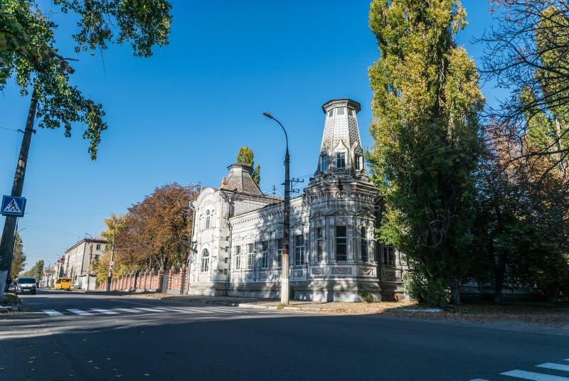 Oud baksteenhuis op de straat van de oude stad in Oost-Europa, de Oekraïne royalty-vrije stock fotografie