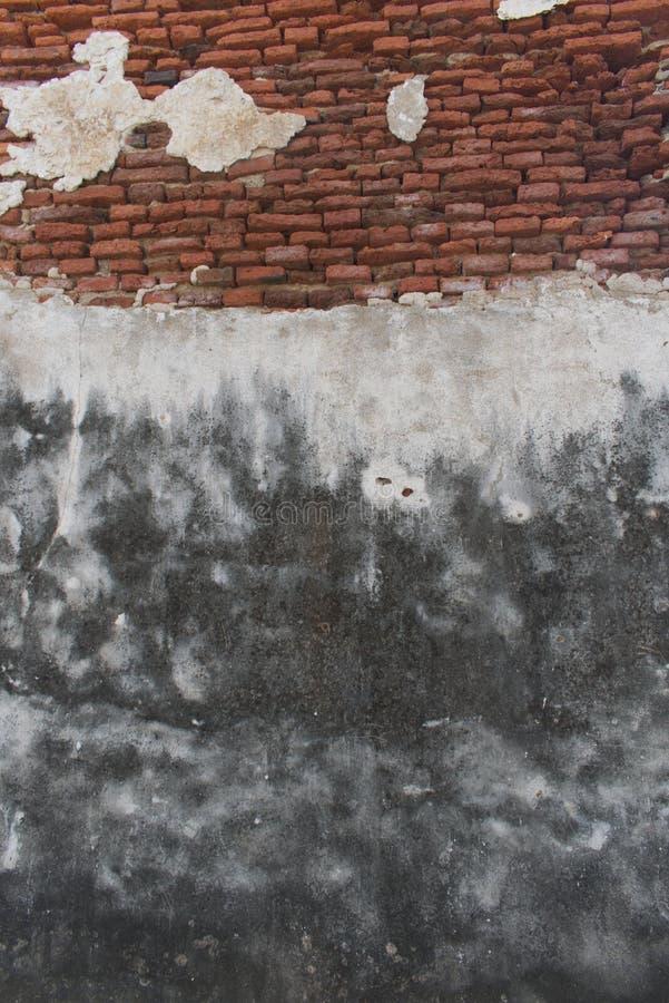 Oud bakstenen muurpatroon, gebarsten rode bakstenen muur stock afbeeldingen