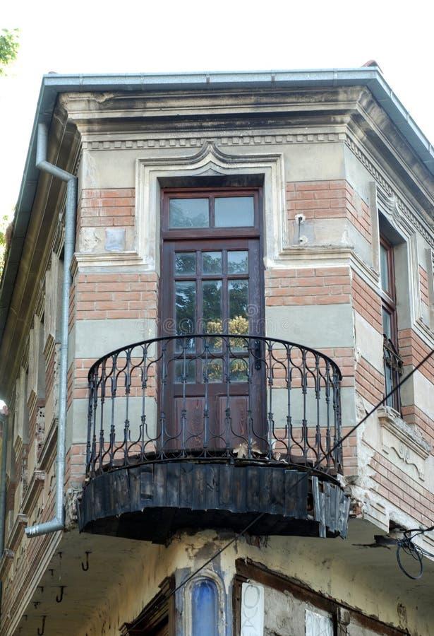 Oud balkon in Bitola, Macedonië royalty-vrije stock fotografie