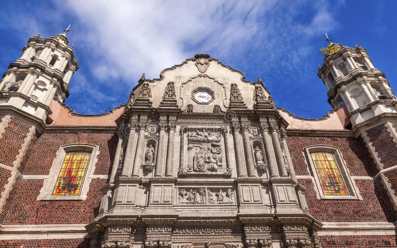 Oud Basiliekheiligdom van Guadalupe Mexico City Mexico stock afbeelding