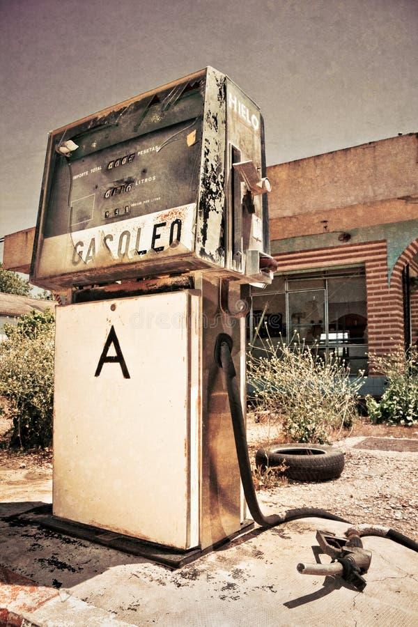 Oud benzinestation royalty-vrije stock foto's