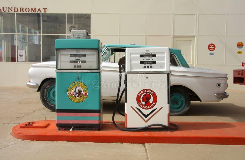 Oud benzinestation stock foto