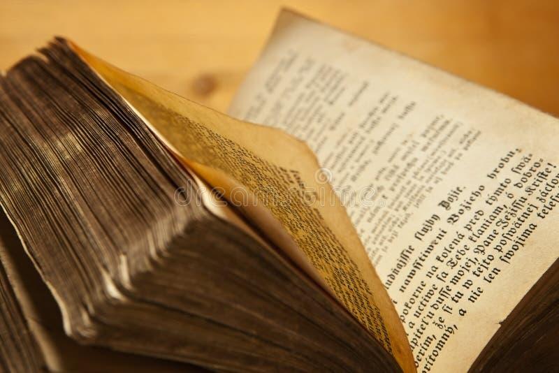 Oud boek. royalty-vrije stock afbeeldingen