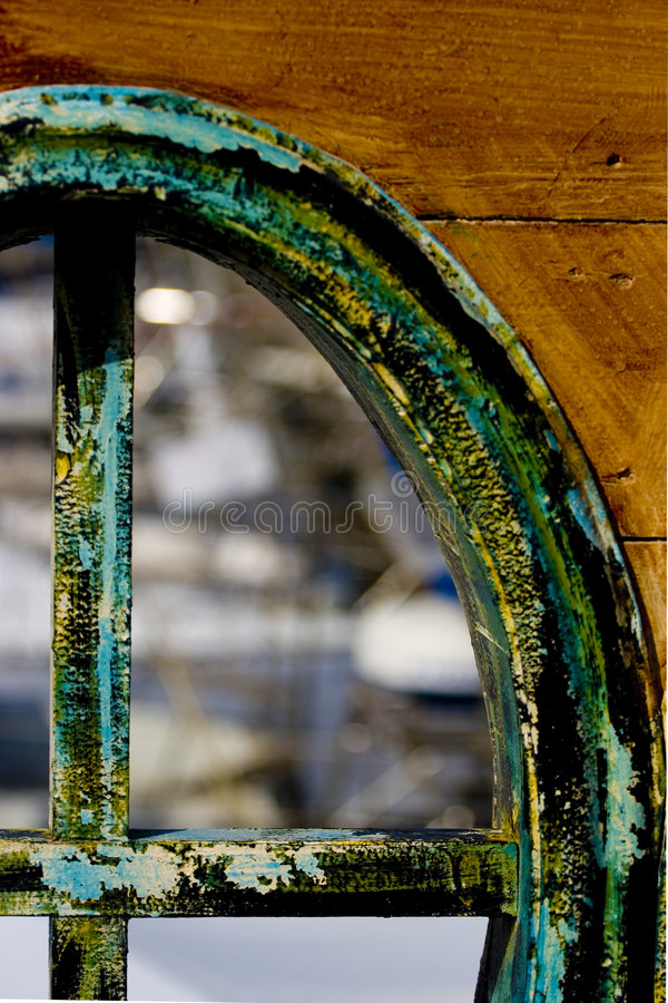 Oud bootvenster stock afbeelding