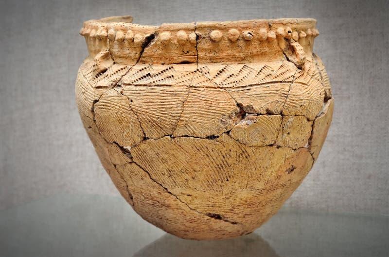 Oud ceramisch schip, Trypillian-cultuur, de Oekraïne, millennium 4 BC stock afbeelding