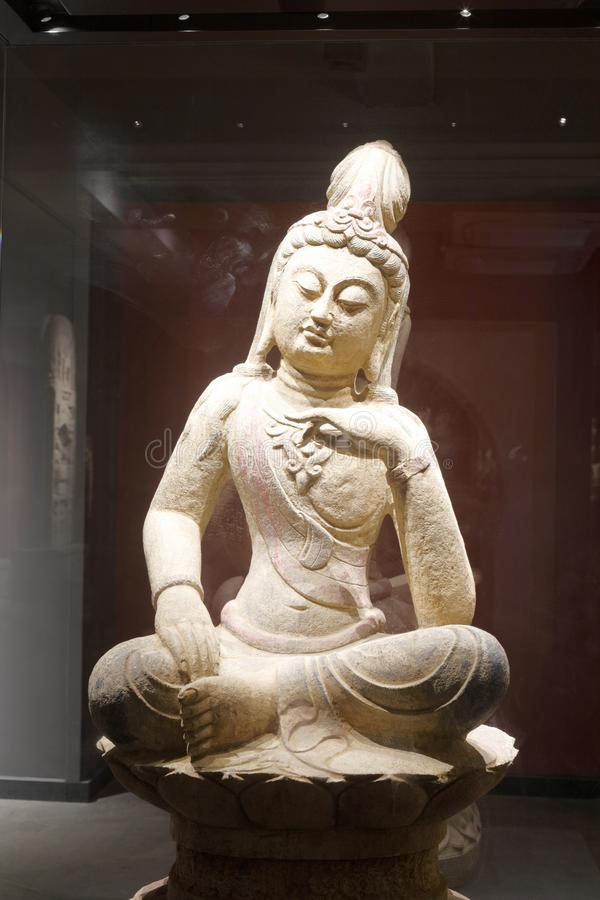 Oud Chinees de zittingsstandbeeld van Boedha, rgb adobe stock afbeelding