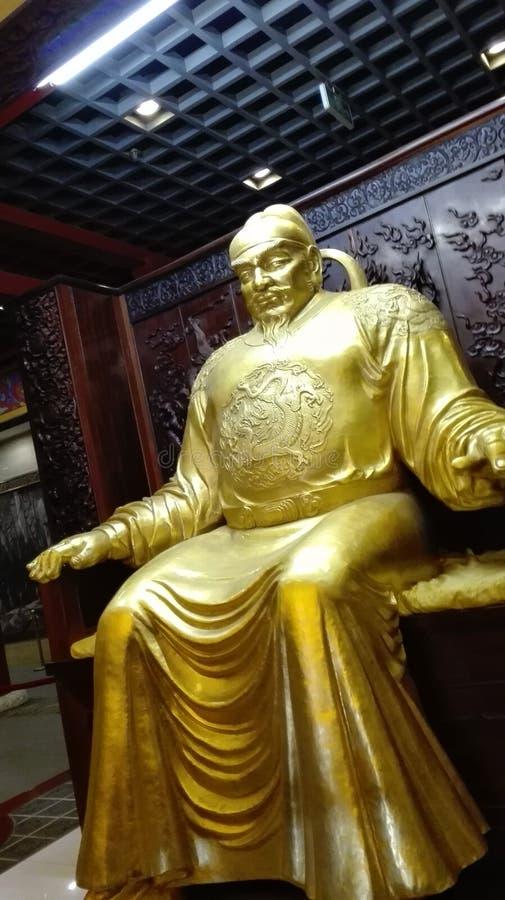 Oud Chinees keizerstandbeeld stock afbeeldingen
