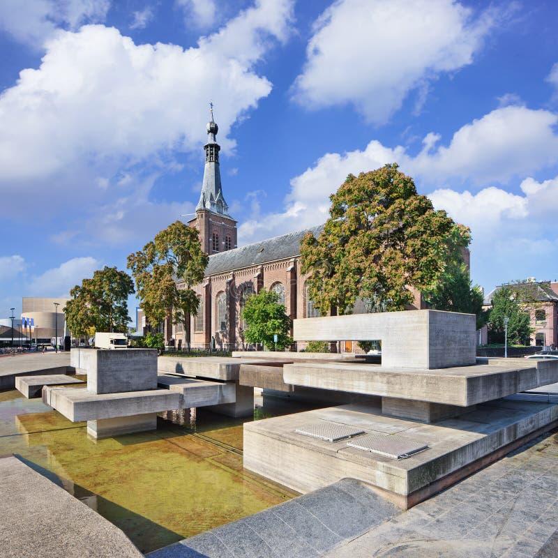 Oud Dionysius Heikese Kerk, het gebied van de binnenstad Tilburg, Nederland royalty-vrije stock afbeelding