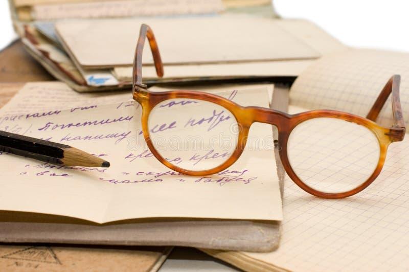 Oud document, oude brieven en enveloppen royalty-vrije stock afbeeldingen