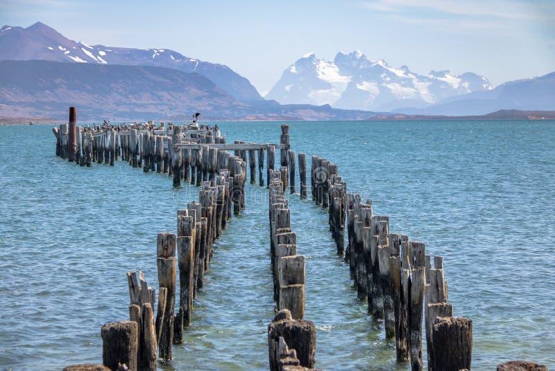 Oud Dok in de Golf van Almirante Montt in Patagonië - Puerto Natales, Magallanes-Gebied, Chili stock afbeelding