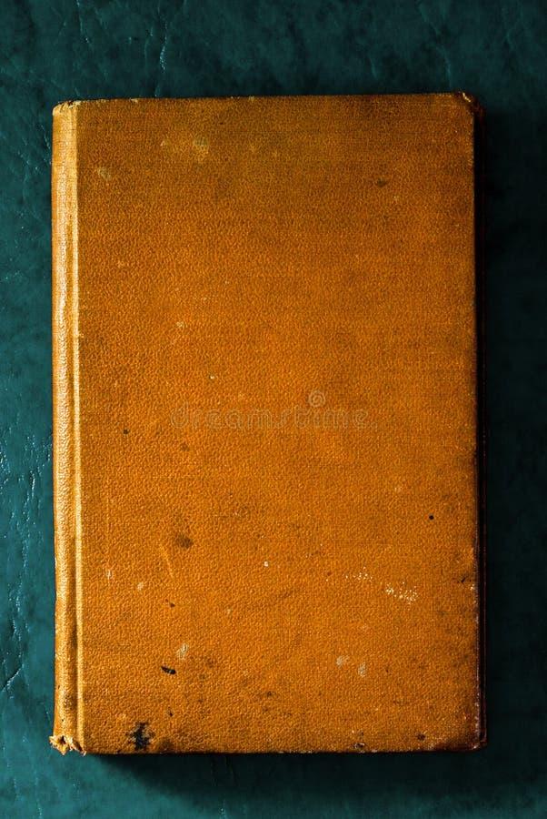 Oud en versleten boek royalty-vrije stock afbeeldingen
