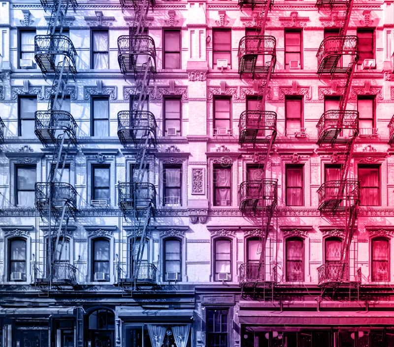 Oud flatgebouw in de Lagere Kant van het Oosten de Stad van van Manhattan, New York royalty-vrije stock foto