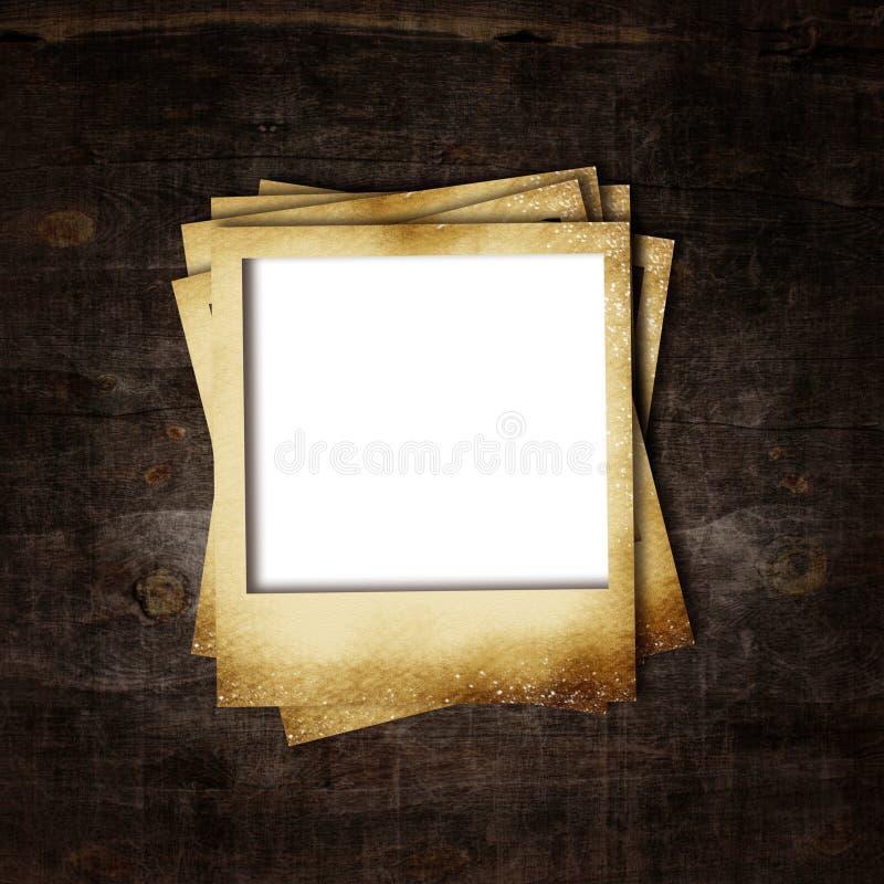 Oud fotoframe op houten achtergrond vector illustratie
