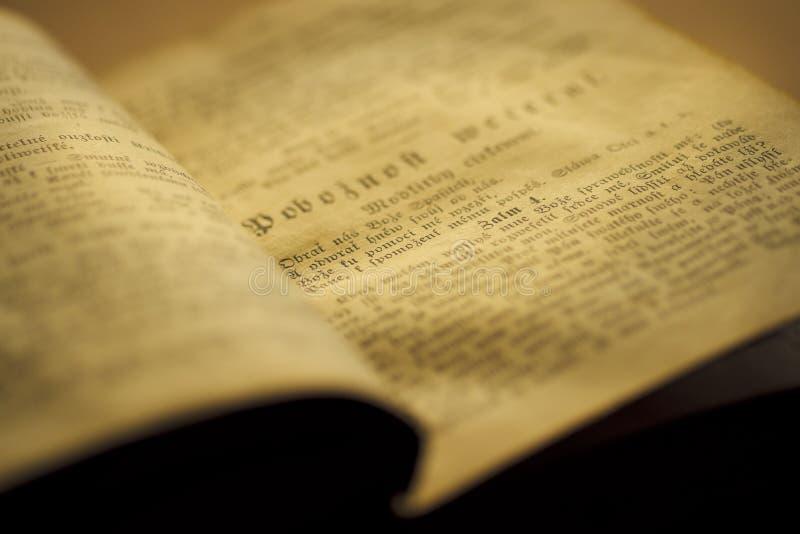 Oud gebedboek royalty-vrije stock foto