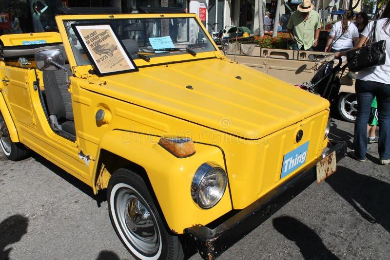 Oud geel VW-Ding in Miami stock fotografie