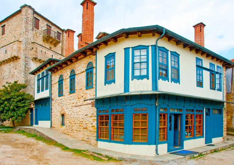 Oud grieks huis stock foto afbeelding bestaande uit deur 23617162 - Huis verlenging oud huis ...