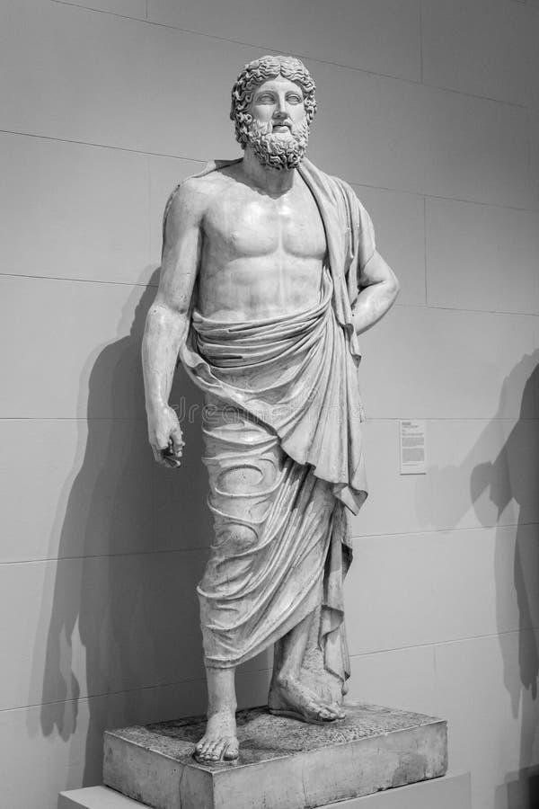 Oud Grieks standbeeld van een mens royalty-vrije stock fotografie