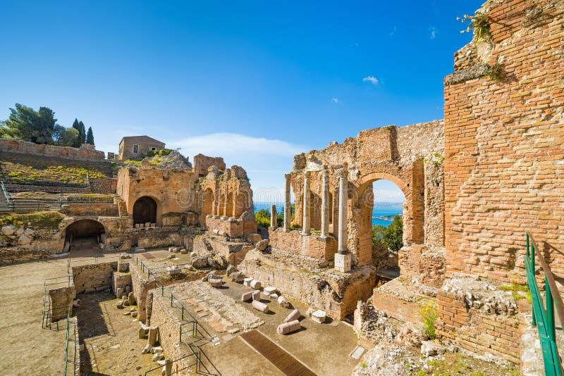Oud Grieks theater in Taormina, Sicilië, Italië stock afbeeldingen