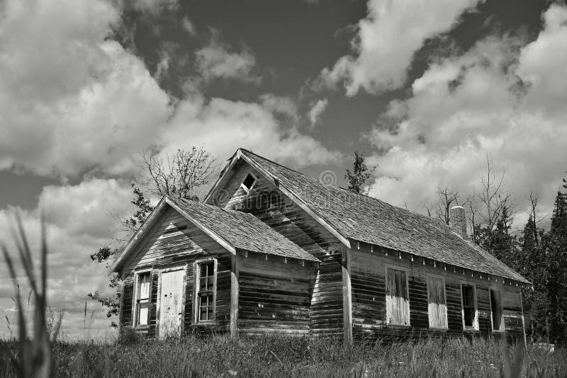 Oud griezelig huis stock afbeelding