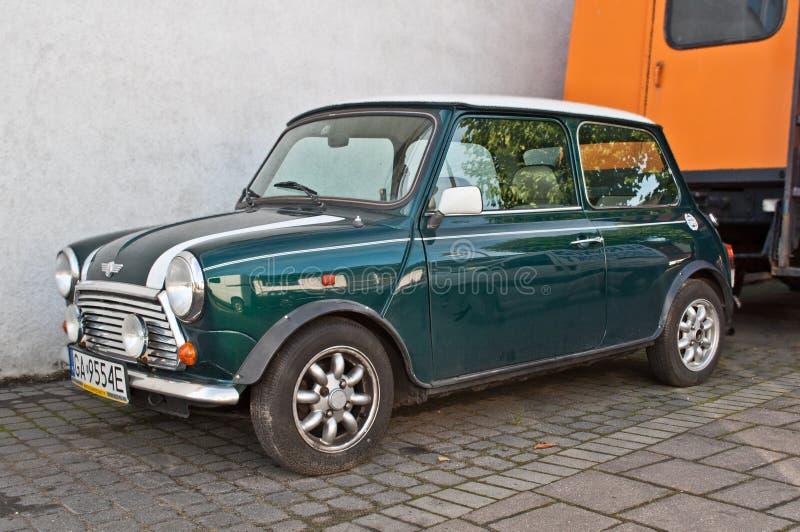 Oud groen geparkeerd Morris Mini Cooper royalty-vrije stock fotografie