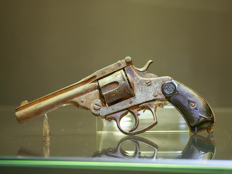 Oud historisch kanon in museum royalty-vrije stock afbeelding