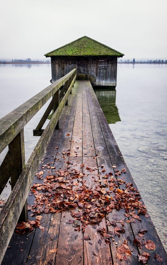 Oud houten botenhuis royalty-vrije stock foto's