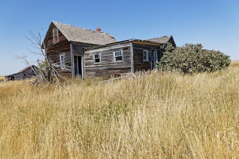 Oud houten huis in platteland het Noord- van Dakota royalty-vrije stock fotografie