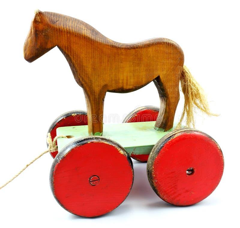 Oud houten paard op wielen royalty-vrije stock foto