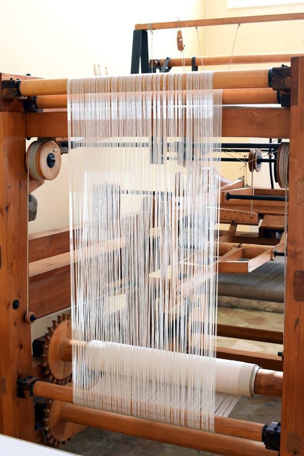 Oud houten weefgetouw voor het weven van textiel royalty-vrije stock foto's
