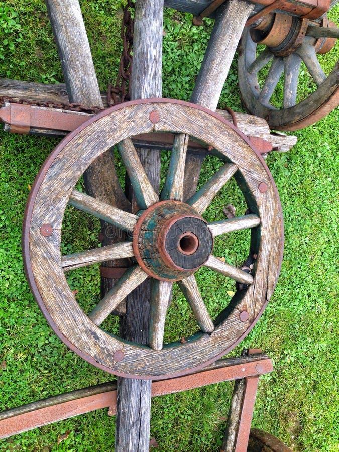 Oud houten wiel stock fotografie