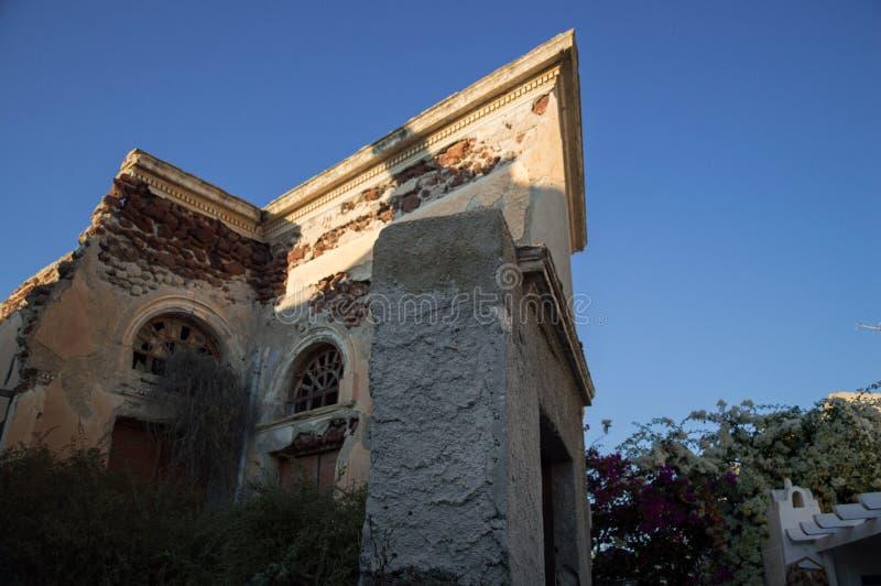 Oud Huis in Bederf in Oia, Santorini, Cycladen, Griekenland royalty-vrije stock foto's