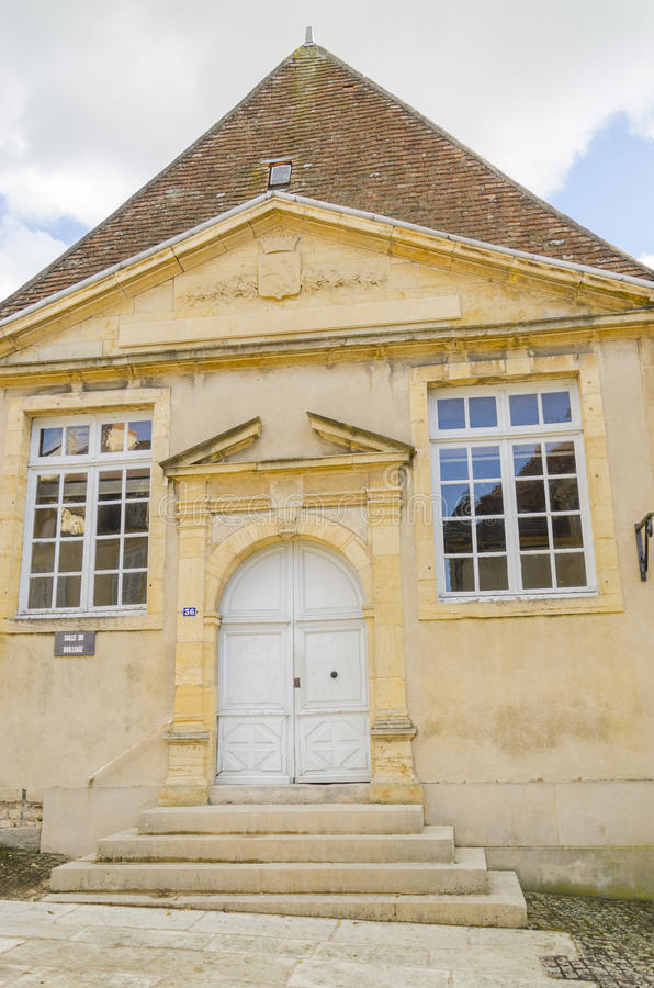 Oud huis in Charolles, Bourgondië, Frankrijk stock foto