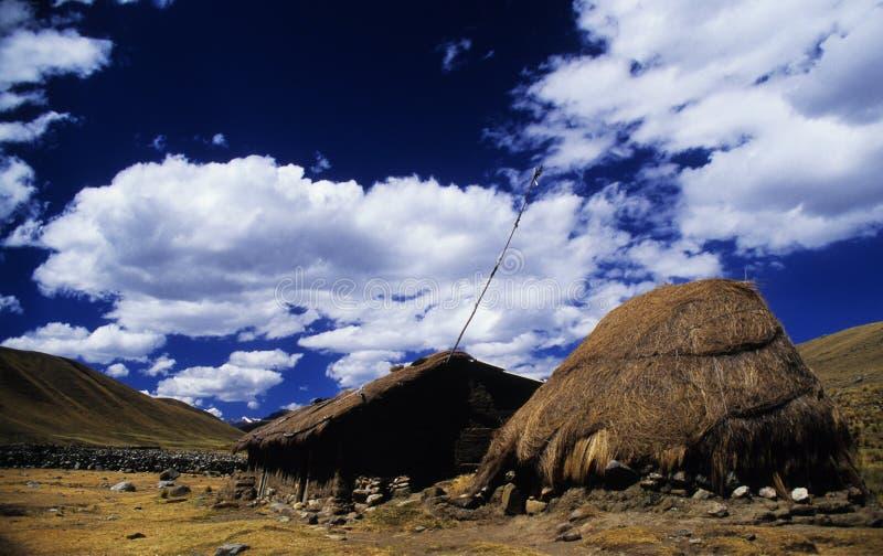 Oud huis dichtbij Huaraz - Peru royalty-vrije stock afbeeldingen