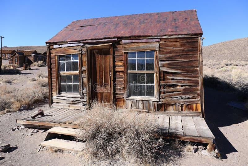 Oud huis in het historische Park van Bodie State, Californië, Amerika stock afbeelding