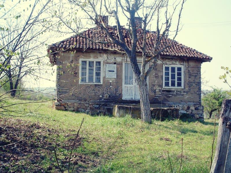 Oud huis op het platteland royalty-vrije stock foto
