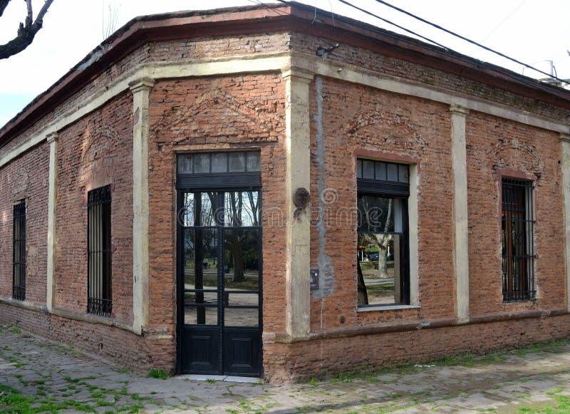 Oud huis in stad royalty-vrije stock fotografie