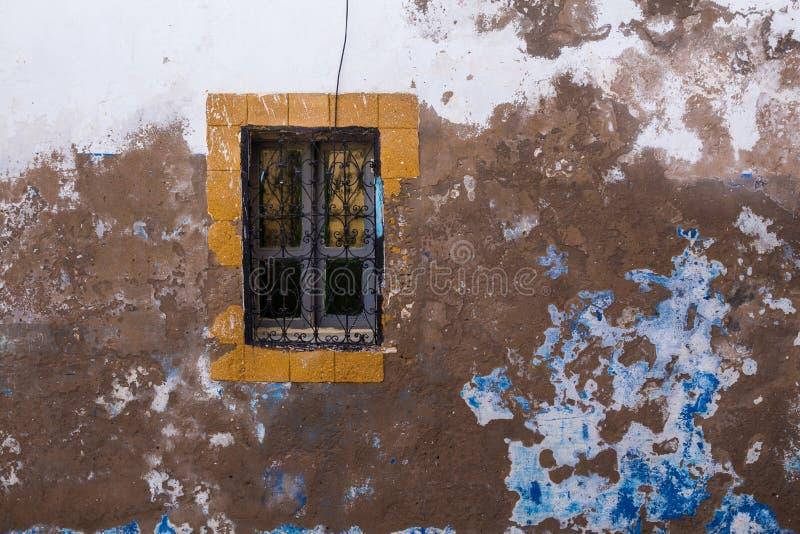 Oud huisvenster, Safi, Marokko stock fotografie