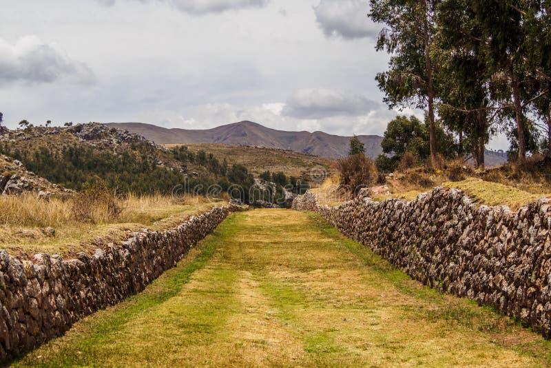 Oud Inca Trail dat van de keizerstad van Cuzco wegging, Qhapaq à ' royalty-vrije stock foto