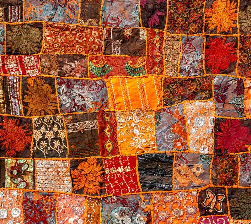 Oud Indisch lapwerktapijt Rajasthan, India stock afbeelding