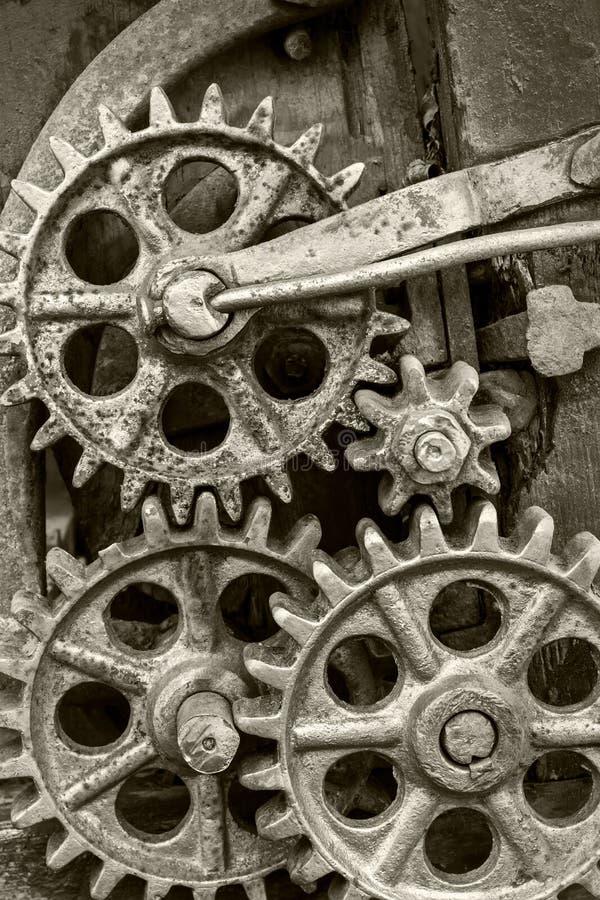 Industriele Wielen Oud.Oude Industriele Mechanismeclose Up Roestige Tandraderen En