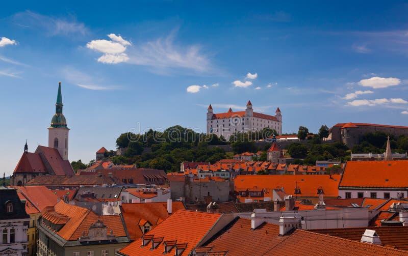 Oud Kasteel in Bratislava op Sunny Day royalty-vrije stock foto's