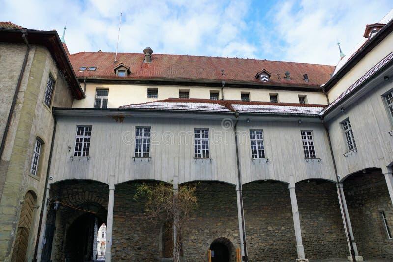 Oud kasteel in bulle in gruyère in Zuid-Zwitserland royalty-vrije stock afbeelding