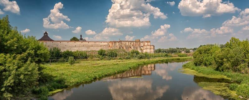 Oud kasteel in Medzhybizh, de Oekraïne royalty-vrije stock afbeeldingen