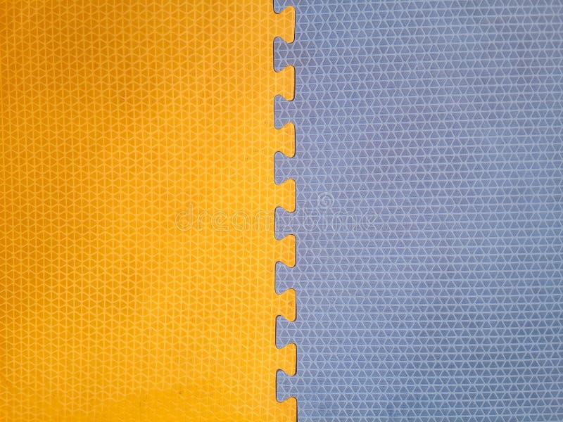 Oud Kleurrijk schuim of rubbervloer en kleurrijke zachte raad royalty-vrije stock afbeeldingen