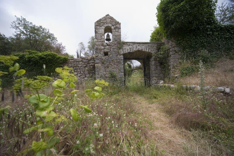 Oud klooster stock afbeeldingen